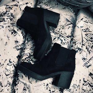 🔥 BLACK BOOTS 🔥